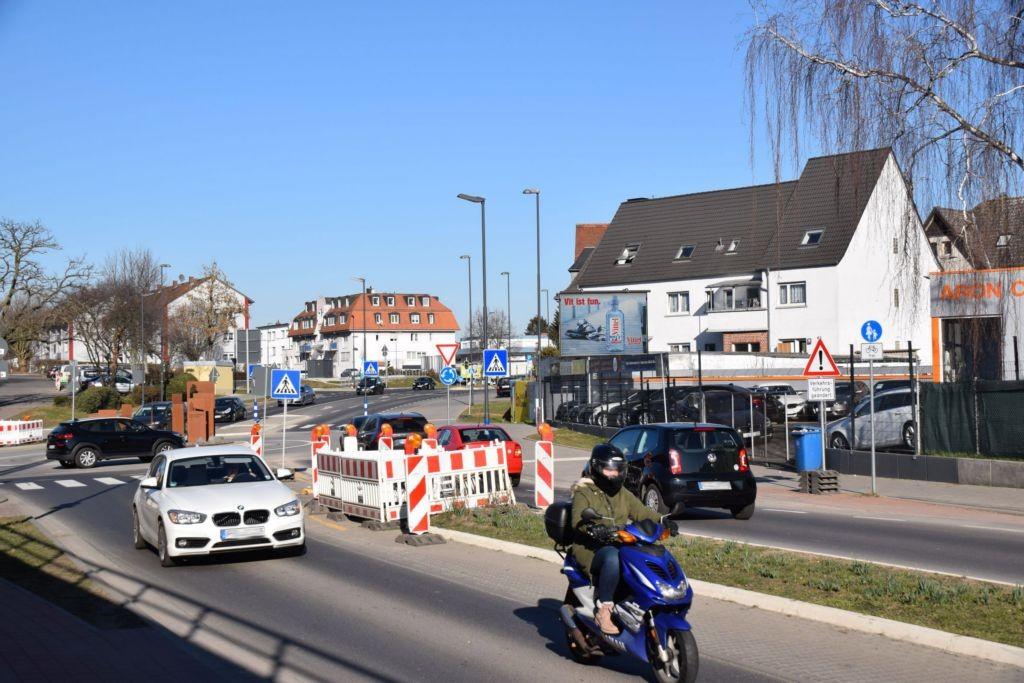 Kasseler Str. 23/Kreisel/WE rts (City-Star)