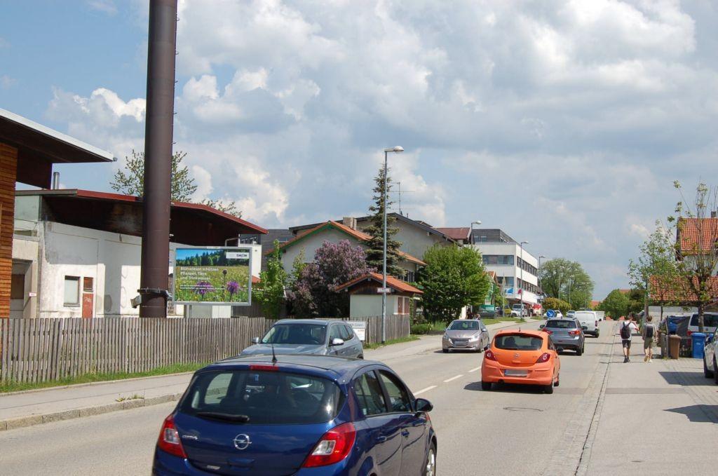 Münchner Str. 60/Zufahrt Edeka (quer zur B 13)