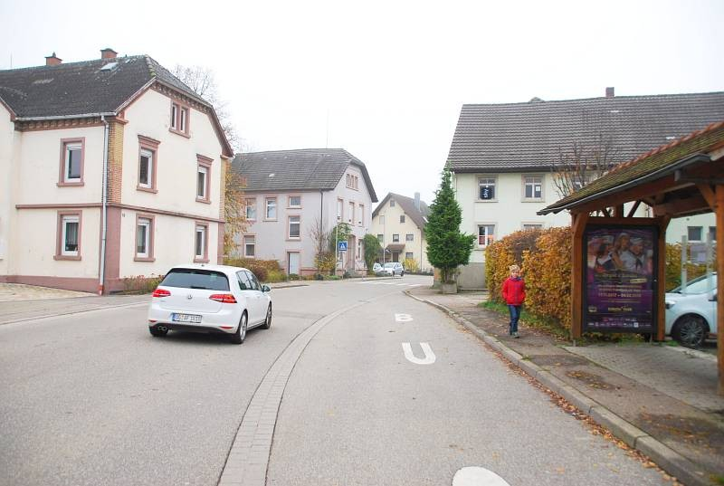 Hubertusstr. 15/Hts. Weier Rathaus (WH)
