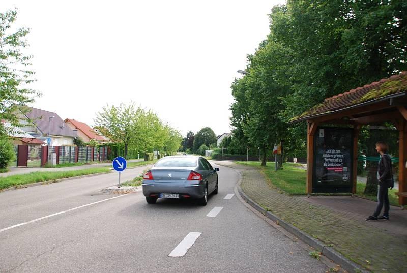 Kreisstr/Ecke Friedhofstr. 21/Hts. Weier Alme/innen (WH)