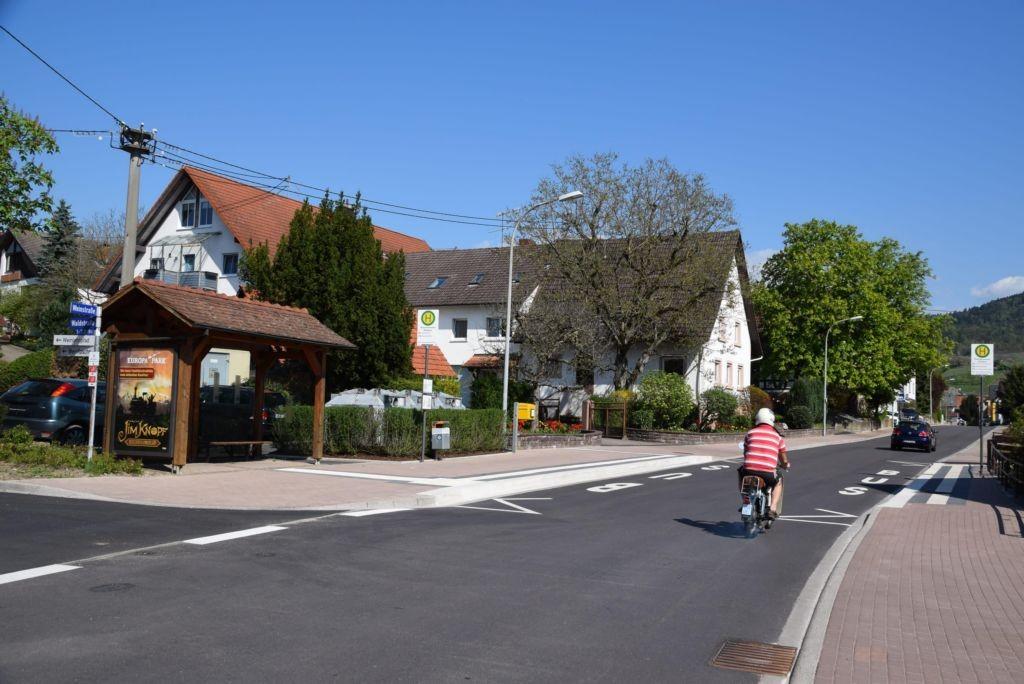 Weinstr/geg. Nr. 85/Hts Rammersweier Rathaus/aussen (WH)