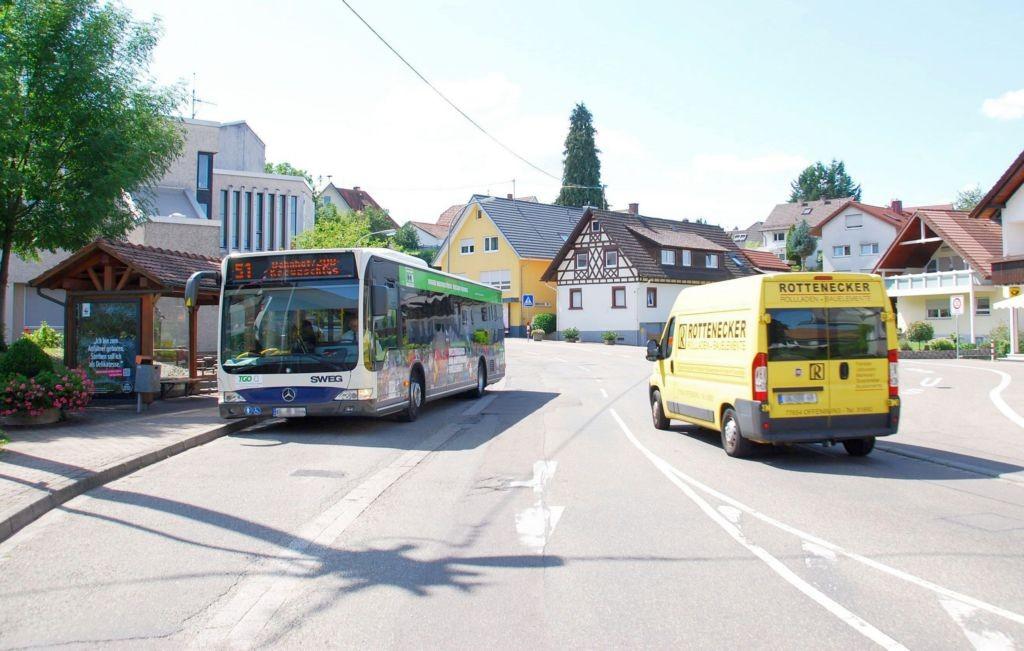 Weinstr/geg. Nr. 23/Hts. Zell-Weierbach/aussen (WH)