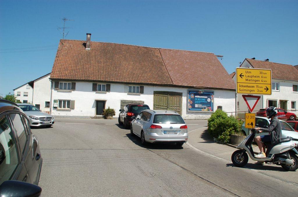 Baltringer Hauptstr. 9/Zufahrt Nah & Gut  (Baltringen)