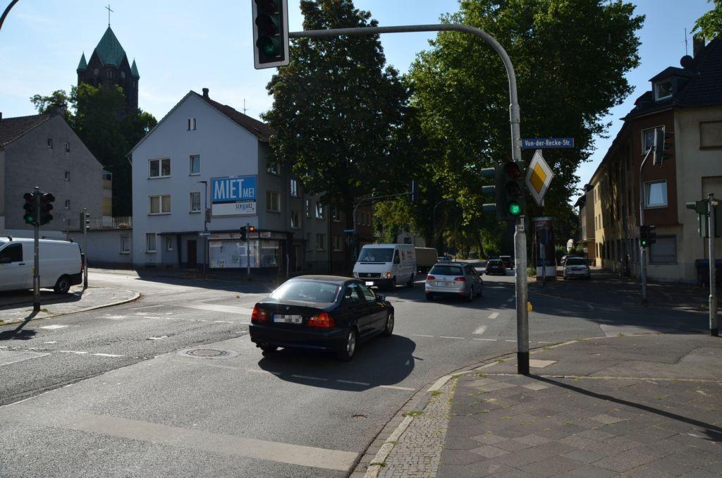 Gahlensche Str. 143/Ecke Von-der-Recke-Str (quer)