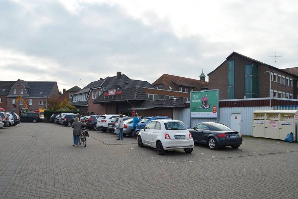 Hohe Str. 9 /Rewe/neb. Eingang Getränkemarkt