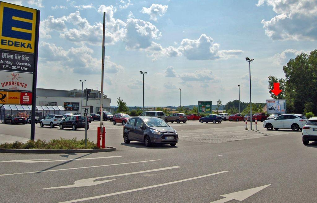 Neuhaus auf der Tratt 4 /Edeka/geg. Einfahrt (rts)