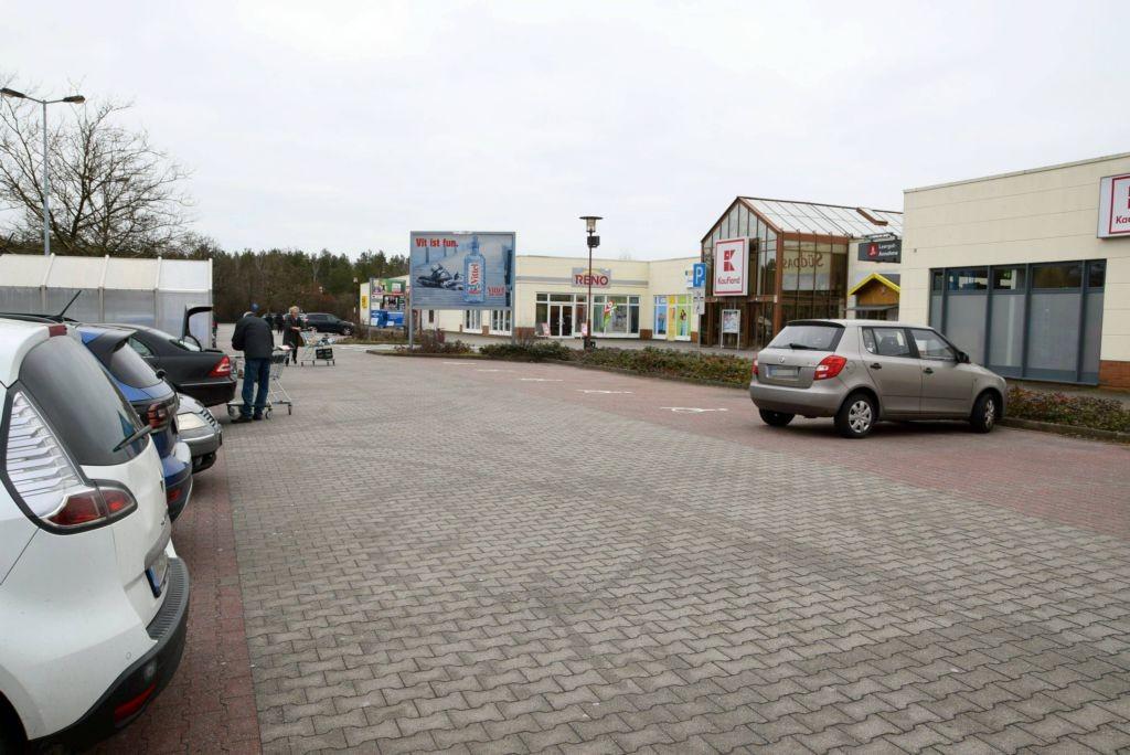 Sachsendamm 30 /Kaufland/geg. Eingang (Sicht Einfahrt)