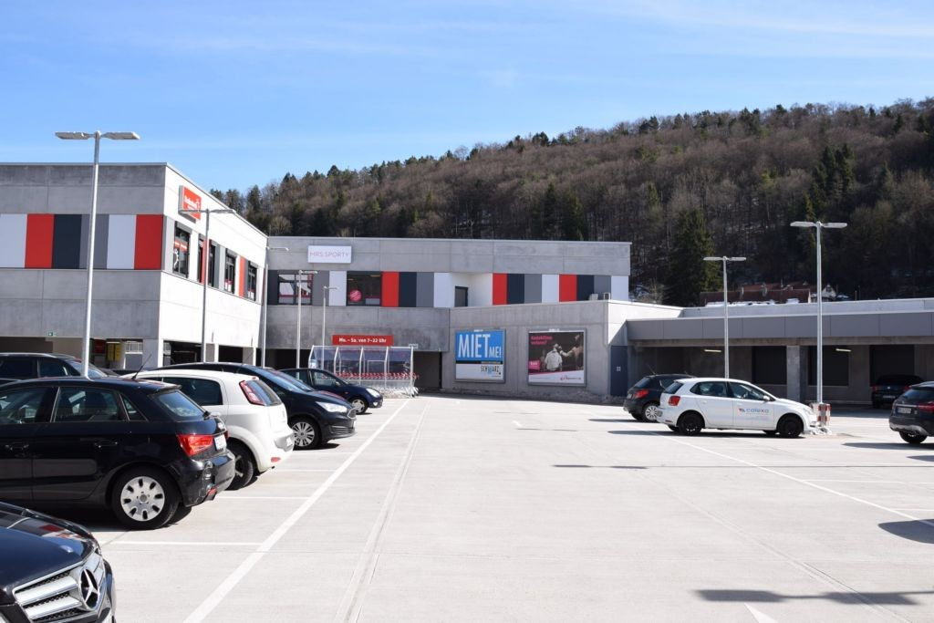 Bahnhofplatz 1 /Rewe/Activ-Arkaden/Höhe Eingang (bei EWU)