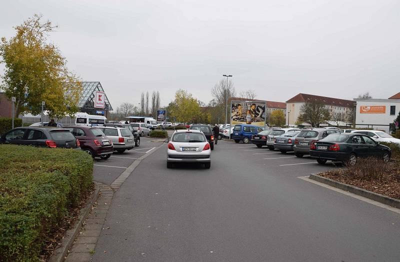 Kaltenborner Str /Kaufland/geg. Eingang/Sicht Zufahrt