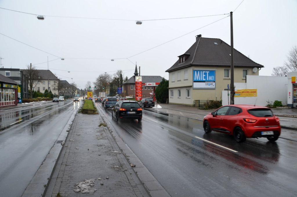 Detmolder Str. 481/B 66/neb. Tankstelle (quer am Giebel)