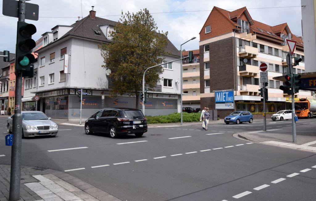 Römerstr. 43/Ecke Petersstr (quer am Giebel)