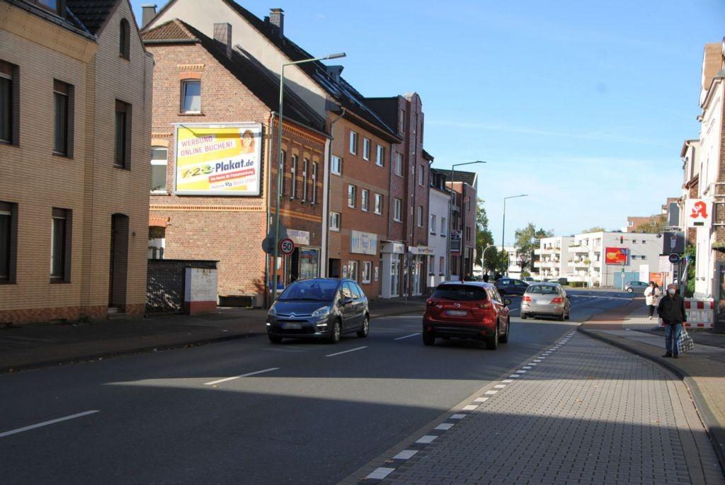 Münchener Str. 12/nh. Netto Düsseldorfer Str -quer am Giebel