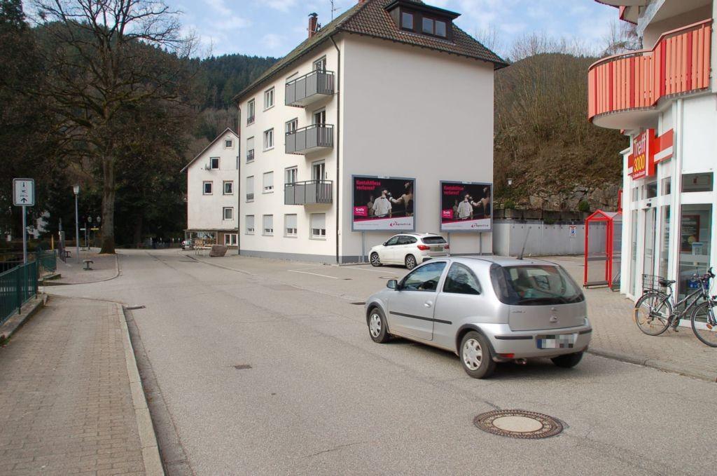 Poststr. 9 /Treff 3000/Einfahrt (quer am Giebel)
