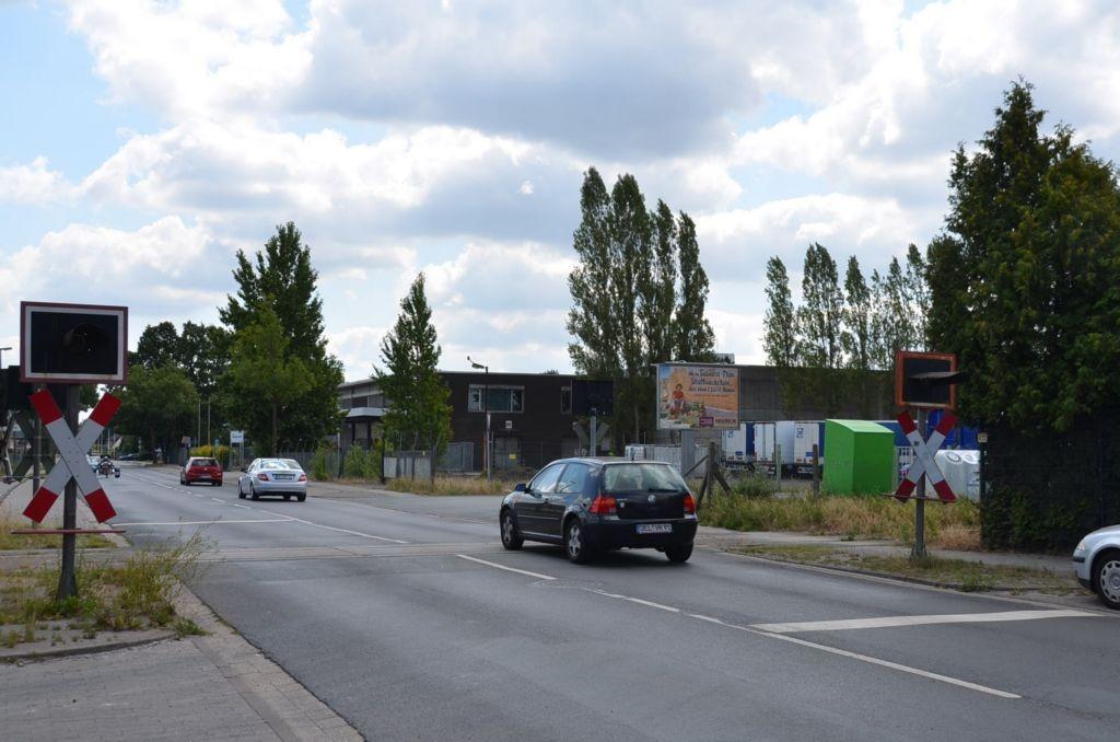 Brendelweg 166/Sicht Bahnübergang (City-Star)