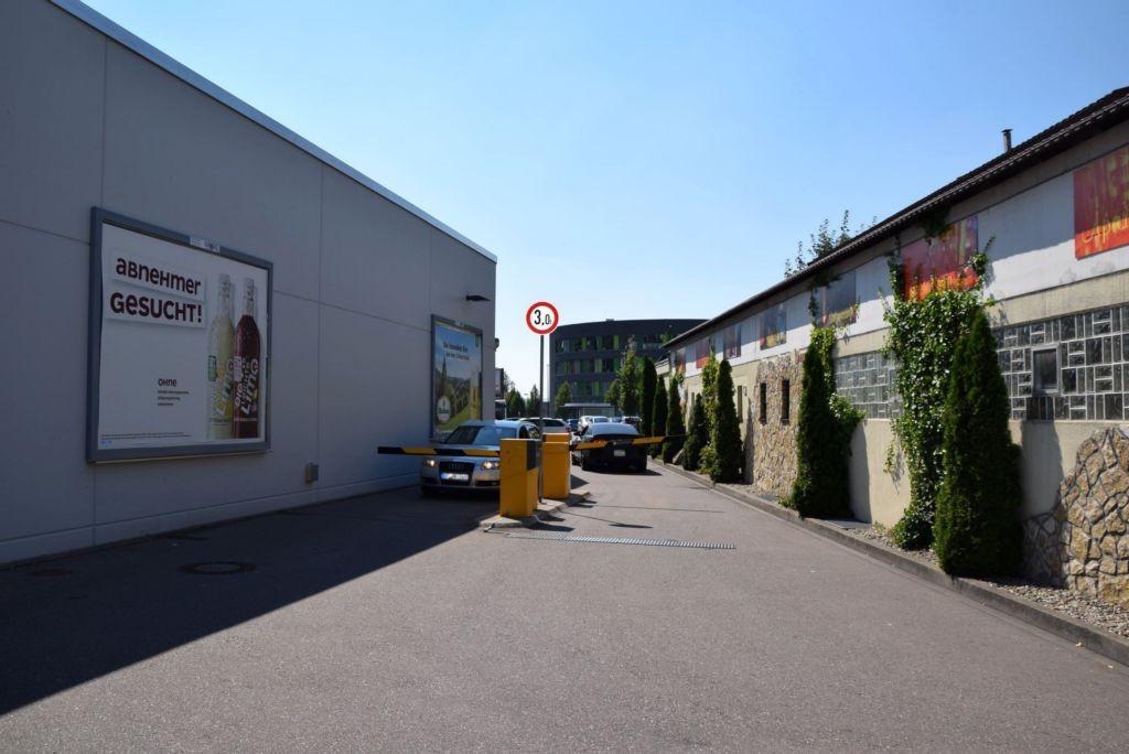 Brückenstr. 7 /Kaufland/Einfahrt Friedrichstr (Wand)