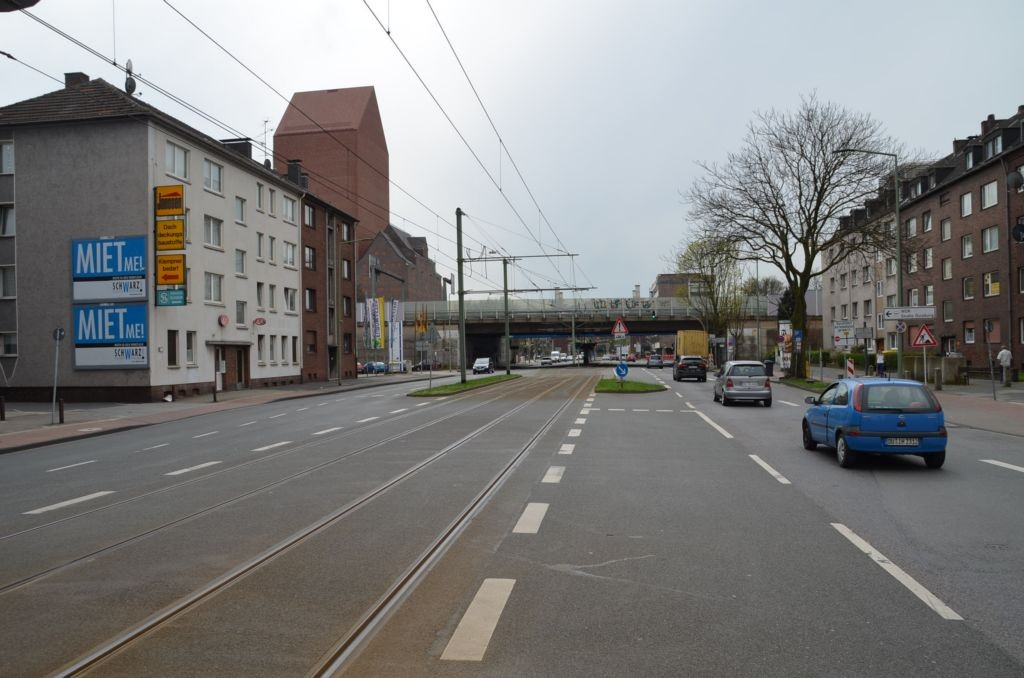 Ruhrorter Str. 14/quer am Giebel (unten)
