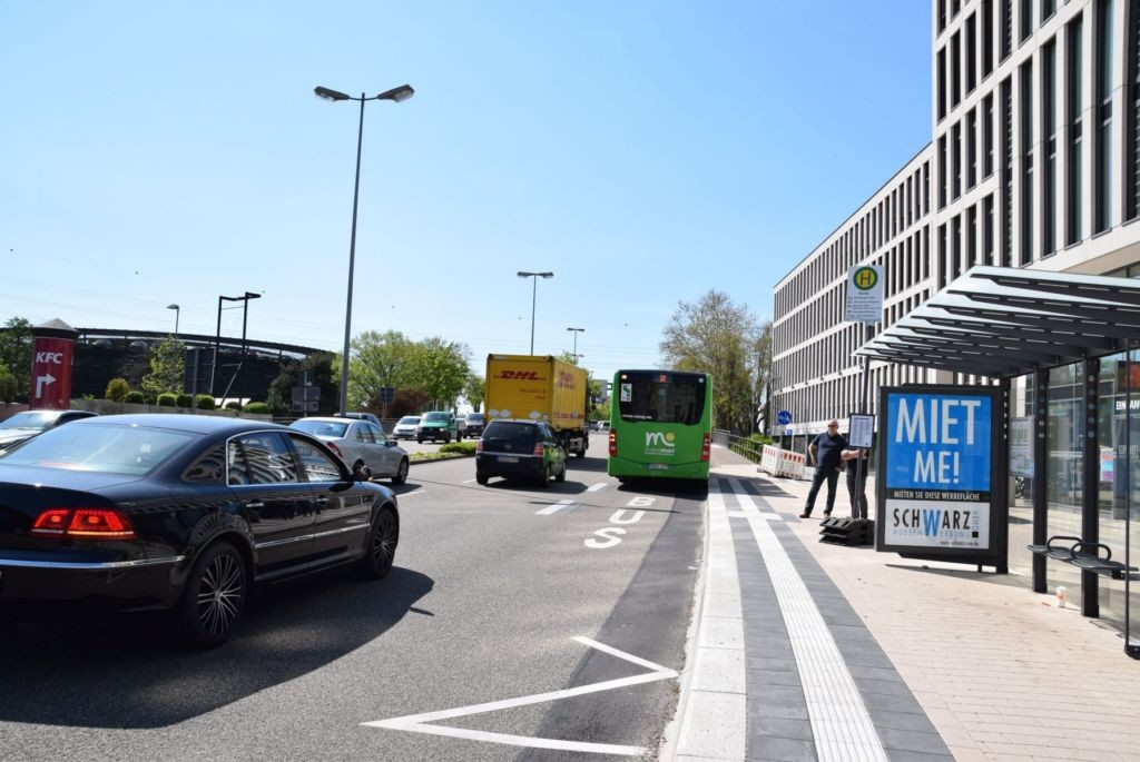Hauptstr/Kronenplatz 1/Hts Burda/auswärts/innen (WH)