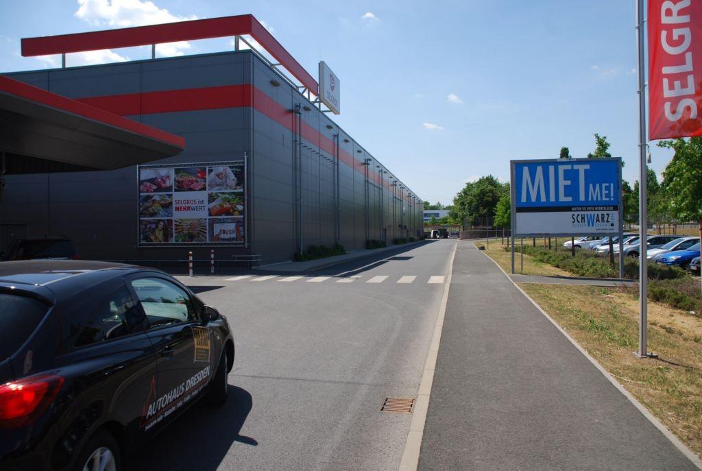 Dohnaer Str. 190 /Selgros/Zufahrt Parkplatz