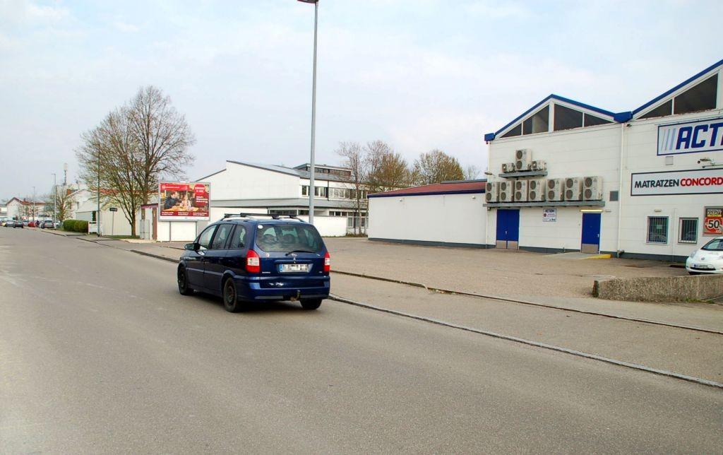 Johannes-Scheifele-Str/Einfahrt Action Markt (quer)