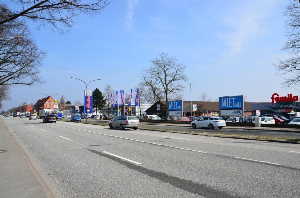 Schwartauer Landstr. 4 /Famila/Einfahrt/Sicht Str (rts)
