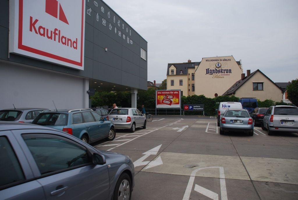 Zittauer Str. 120 /B99/Kaufland/neb. Einfahrt Parkgarage
