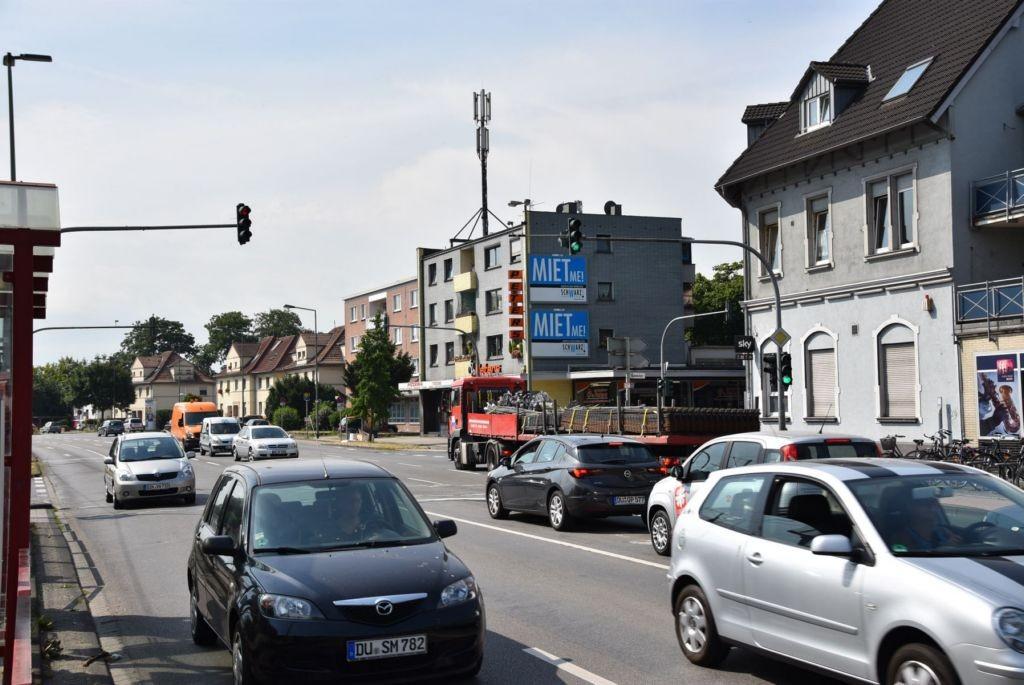 Friedrich-Ebert-Str. 387/Bahnhofstr/quer am Giebel (oben)