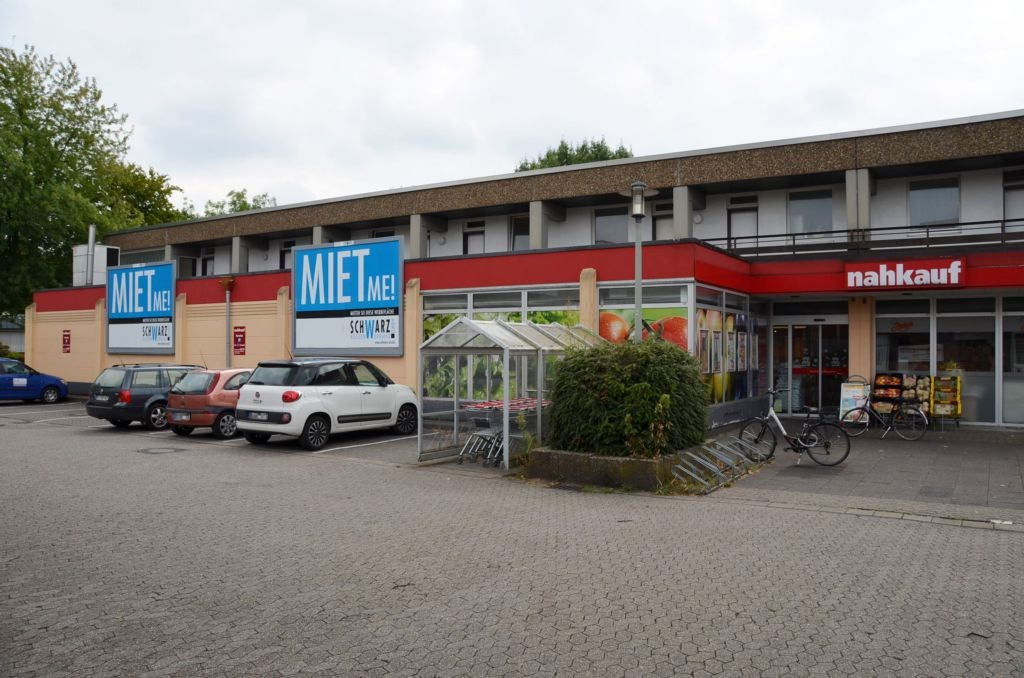 Breslauer Str. 1 /Nahkauf/neb. Eingang