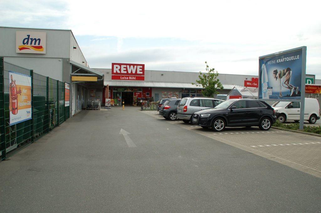 Löserstr. 1 /Rewe/geg. Eingang (Sicht Markt)