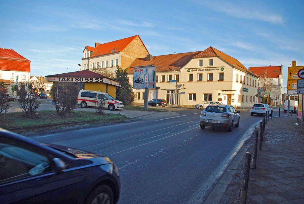 Johannisplatz 20/B 180/Straßfurter Höhe/WE lks (City-Star)