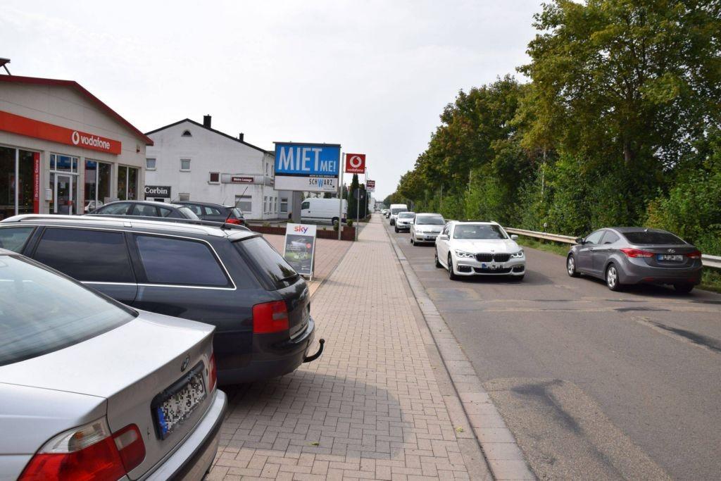 Bahnstr. 94/nh. Getränke Keil/WE lks (City-Star)