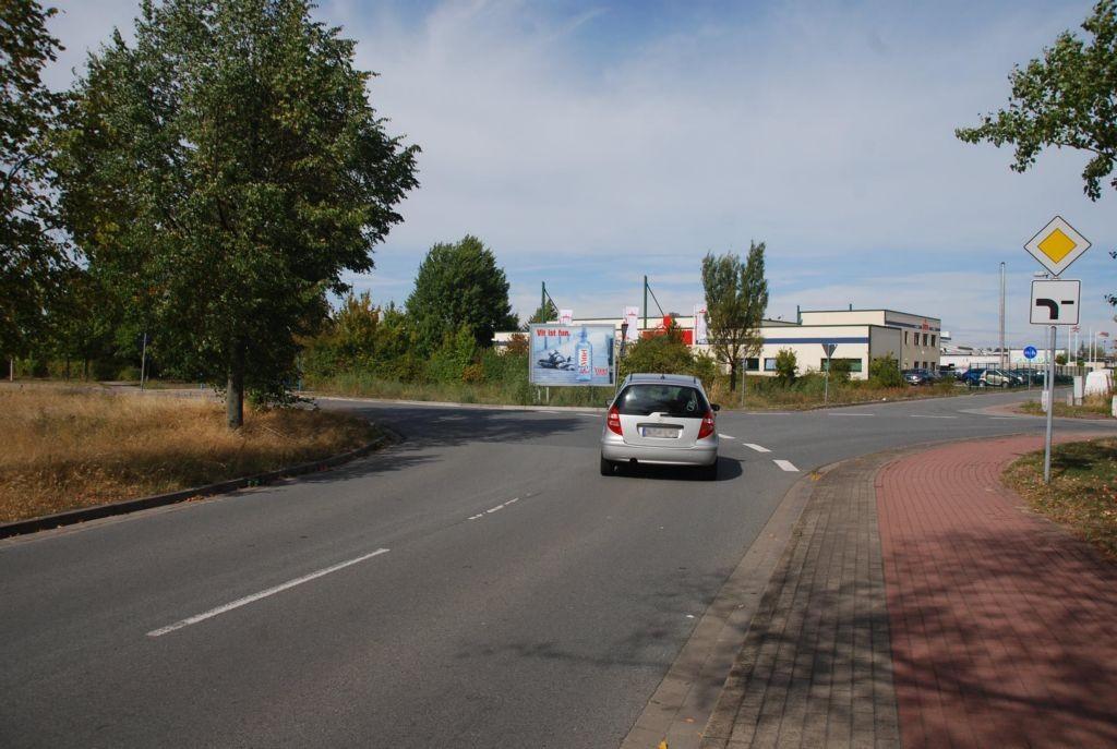 Industriestr/Benzstr/nh. E-center (rts)