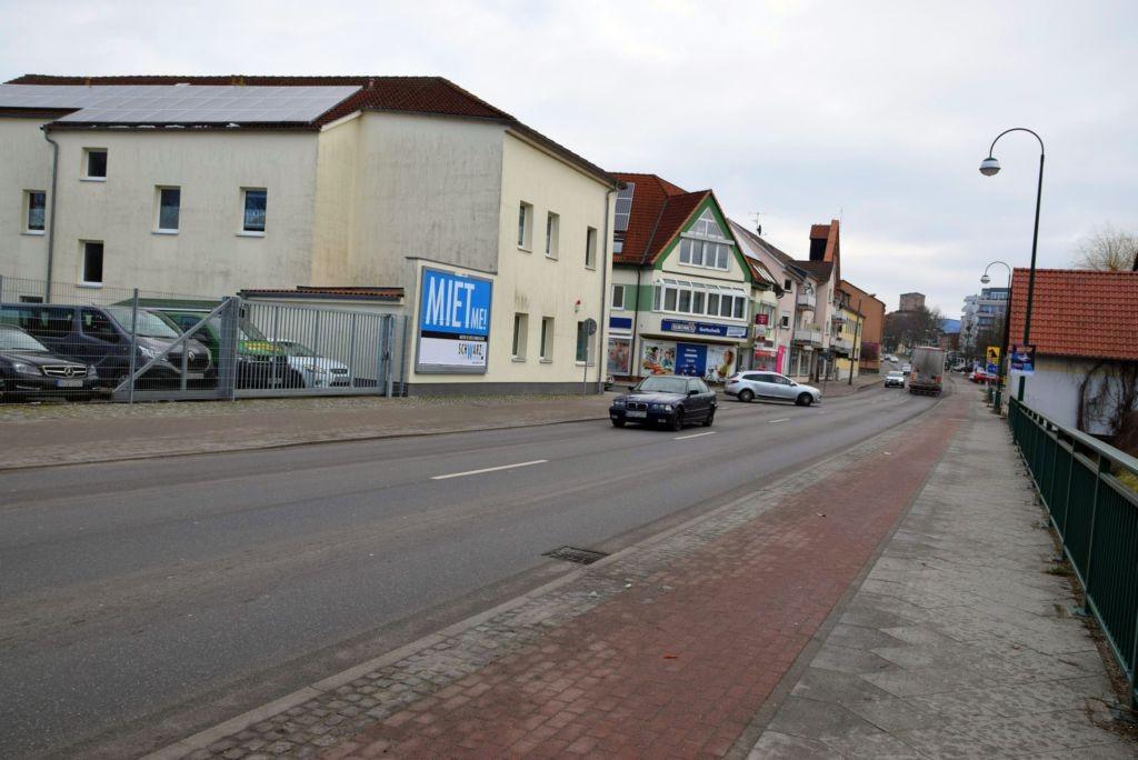 Neubrandenburger Str/B 198/Freyschmidtstr. 36/Zufahrt Netto