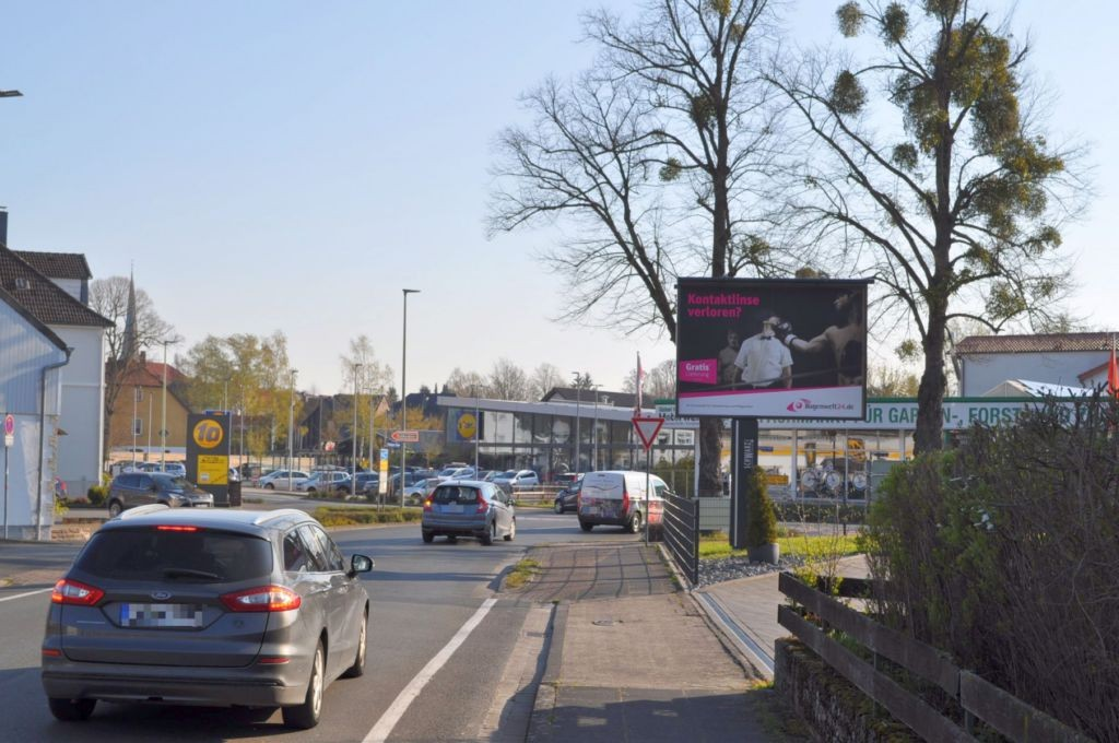 Driburger Str. 1/Warburger Str/nh. Lidl/WE rts (City-Star)