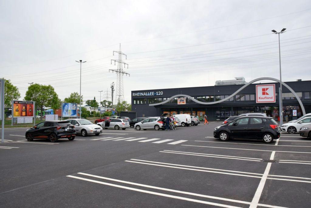 Rheinallee 120/Kaufland/nb. Eingang (Si. Parkpl.)