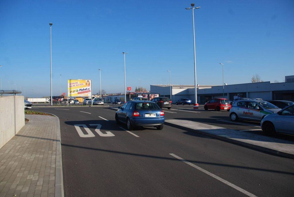Sonnenstr. 7 /Kaufland/Zufahrt (Sicht Eingang)