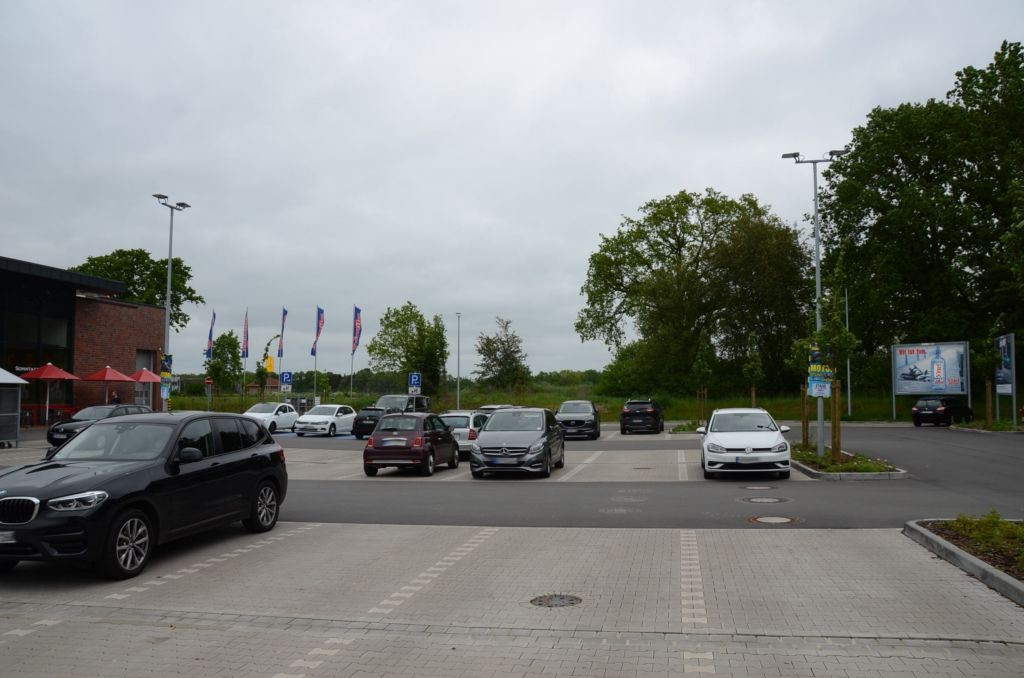 Stadtweg 160 /Famila/geg. Einfahrt