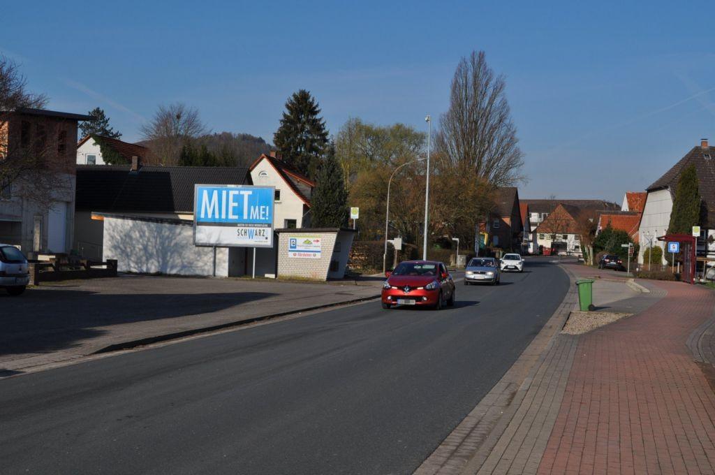Hauptstr. 80/B 83 (quer zur Str)