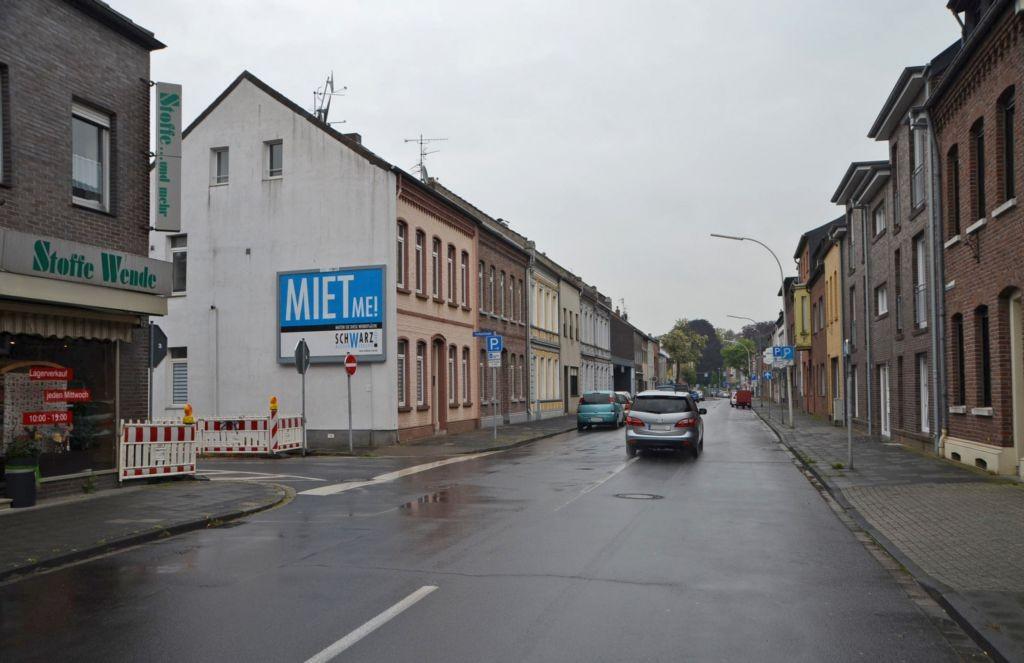 Breyeller Str. 40/Ecke Freiheitstr (quer am Giebel)
