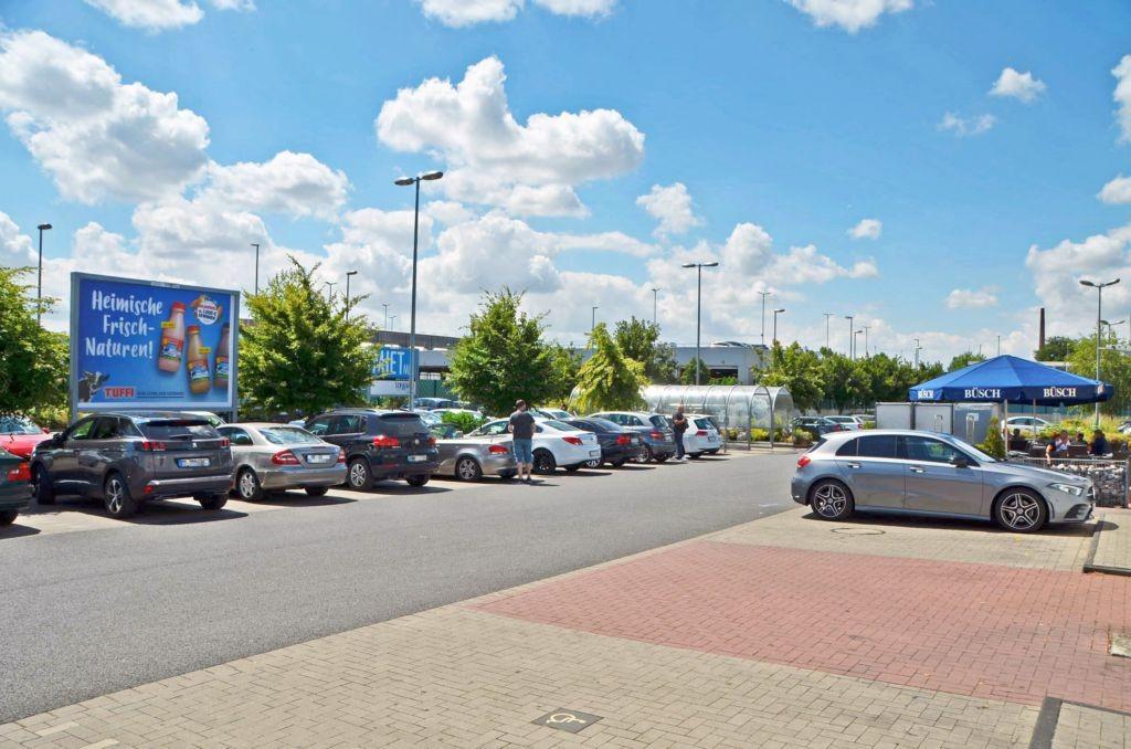 Hofstr. 144 /E-center/geg. Eingang/Sicht Eingang (lks)