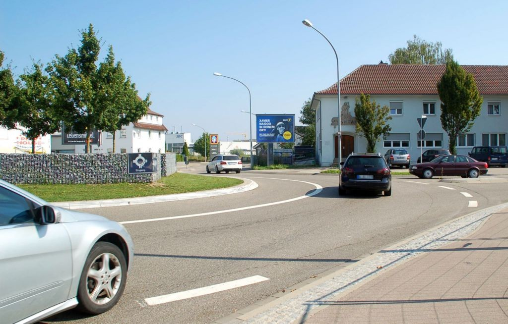 Finninger Str. 60/Pfaffenweg/nh. Aldi/WE rts (City-Star)