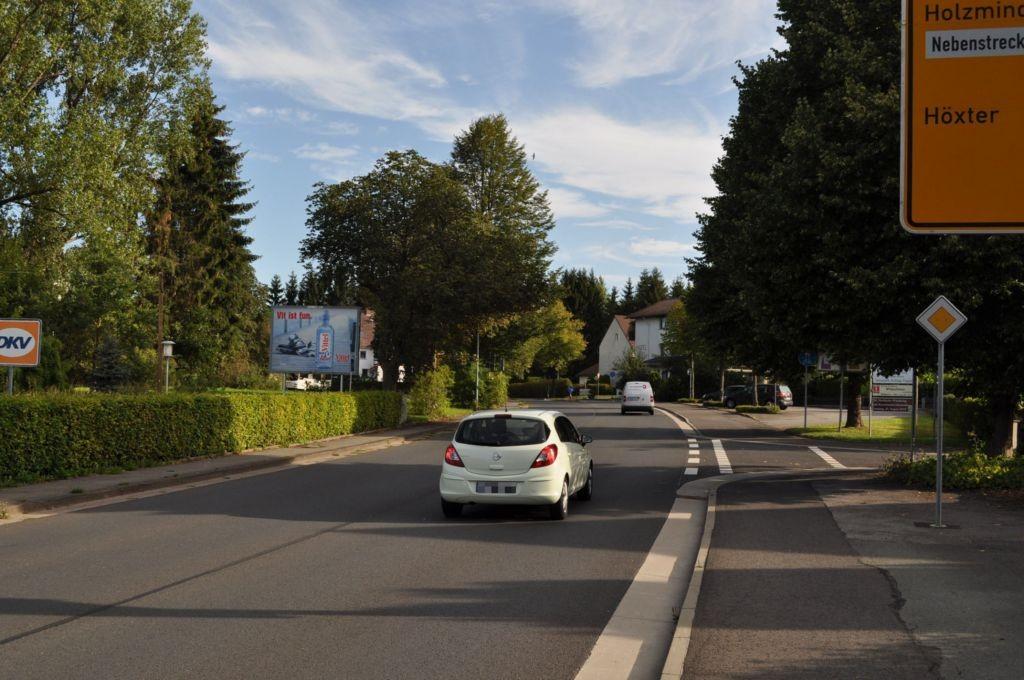 In der Fahrt/B 497/geg. Lindenstr. 4/neb. AVIA-Tkst (WE lks)