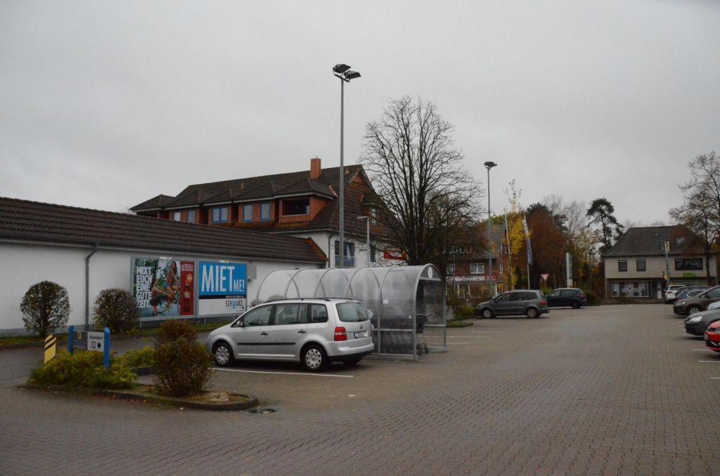 Bahnhofstr. 45/geg. Edeka/Einfahrt