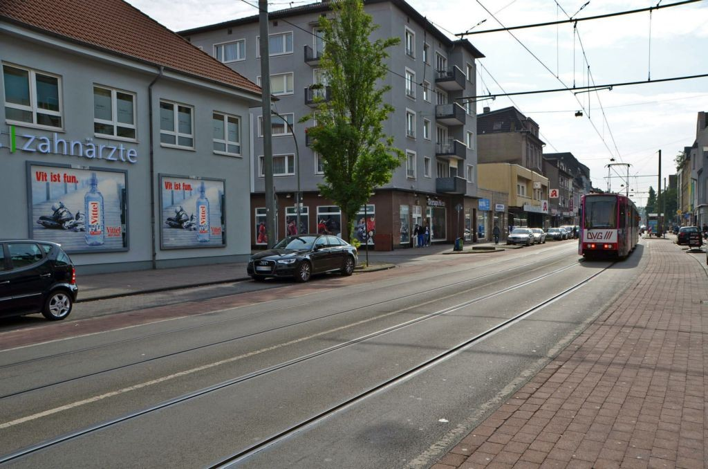 Weseler Str. 100 /Netto/rts vom Eingang (parallel)