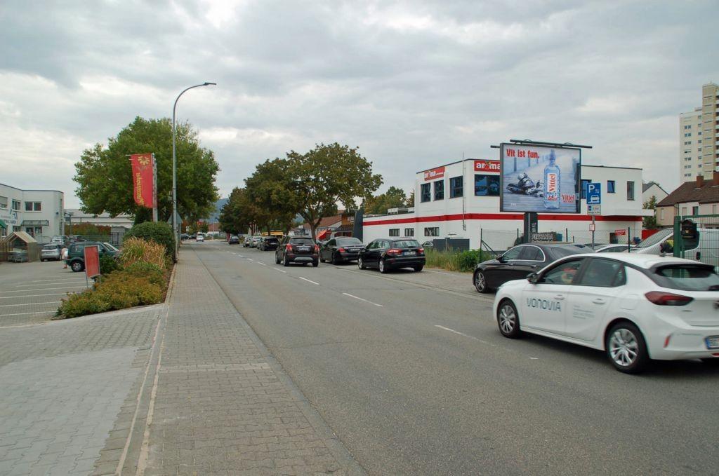 Freiburger Str. 32/nh. Penny/WE rts (City-Star)