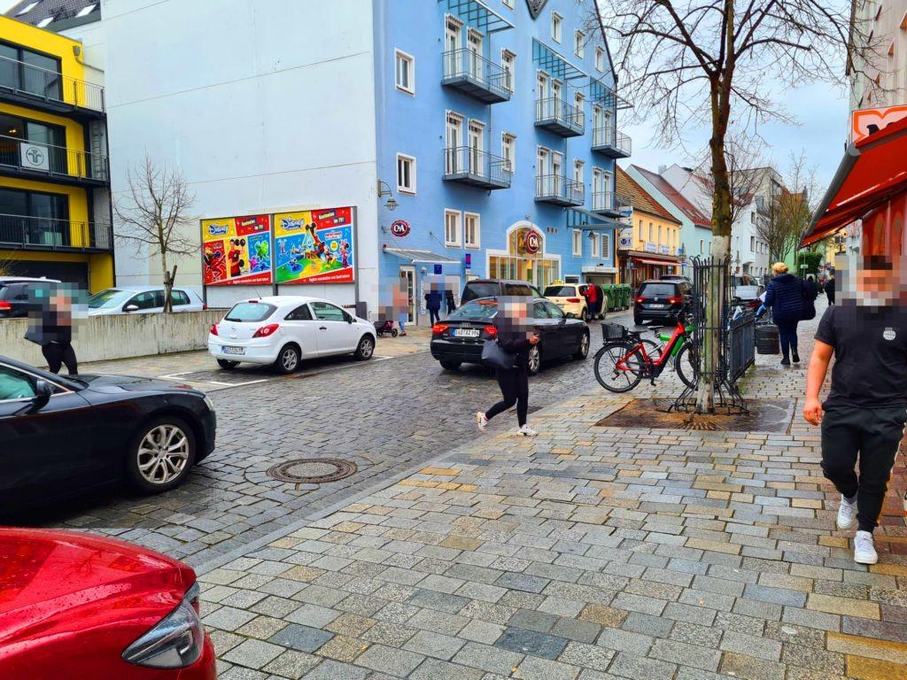 Breite Str. 12 - C & A