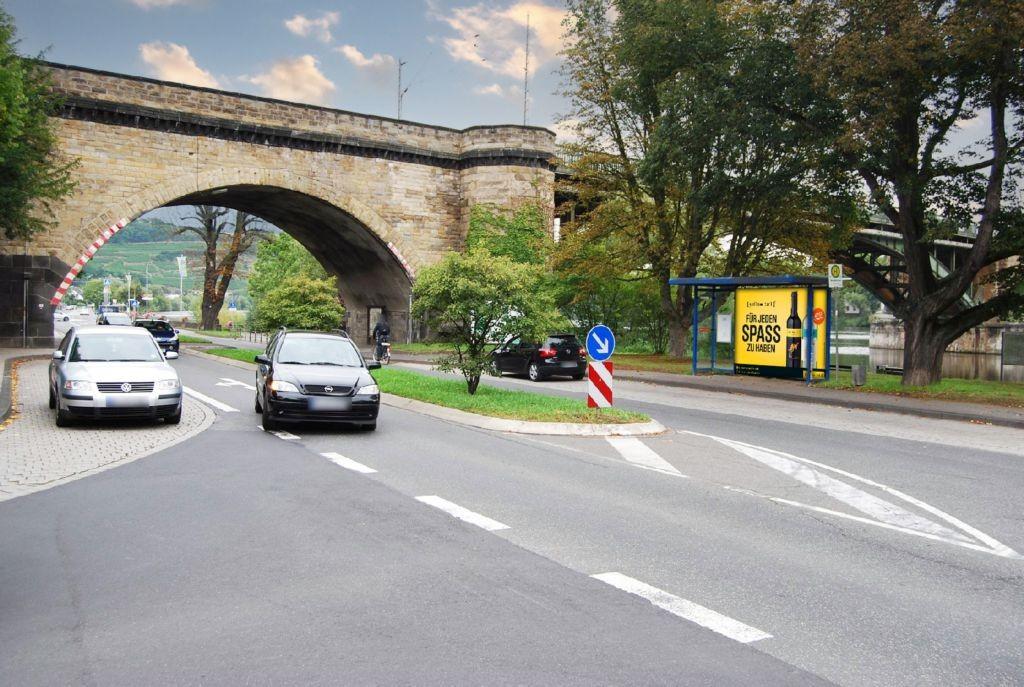 Winninger Str (B 416)/Teichstr gg /Hst Moselbrücke aw