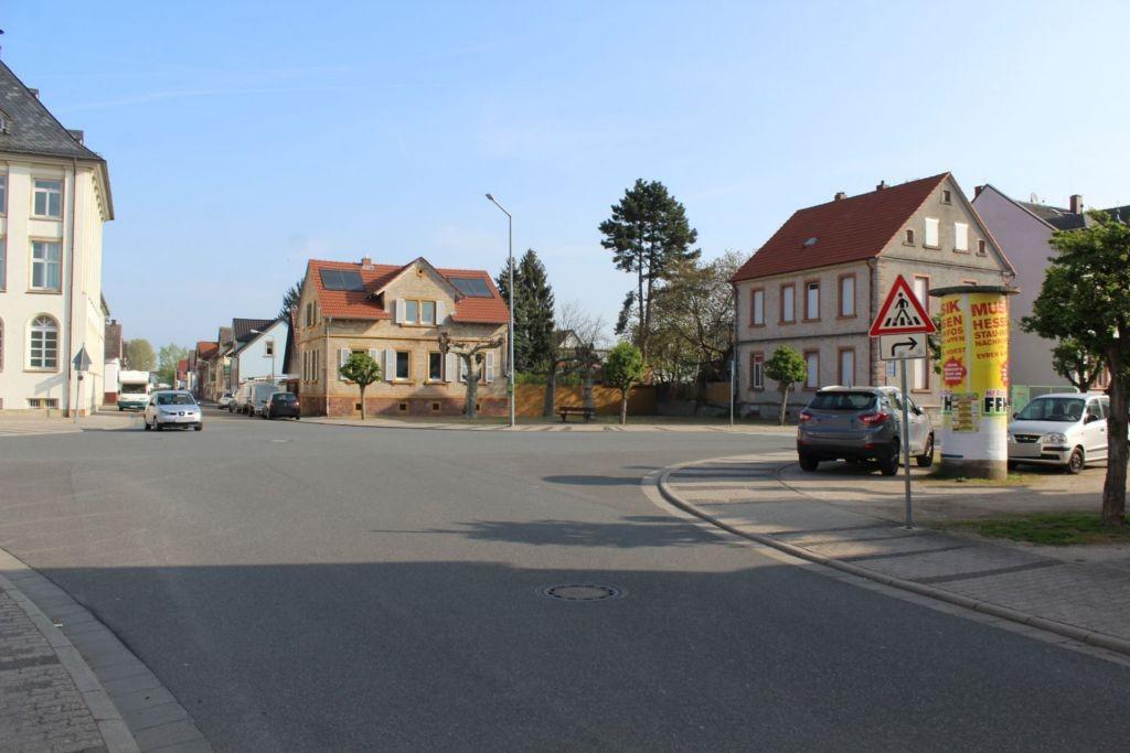Schillerplatz/Riedstr