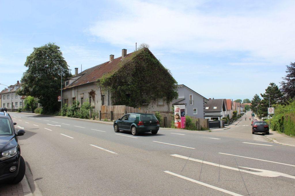 Schloßweg/Bruchsaler Str 17 gg (B 3)