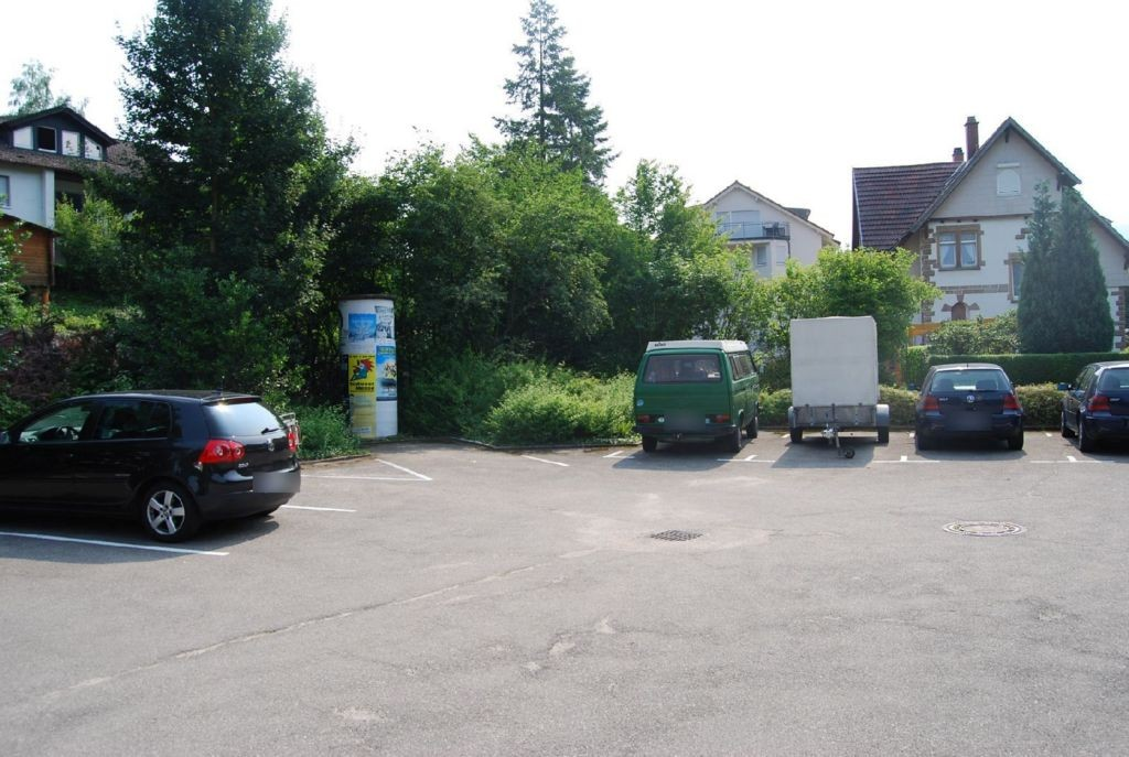 Hahnbachweg 2b nh/Parkplatz