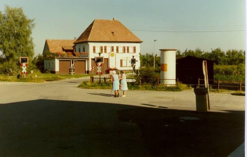 Bahnhofstr 10 li/-Königschaffhausen